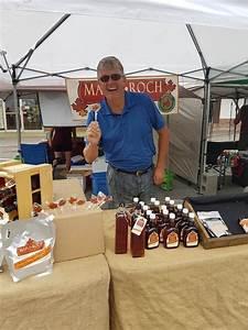 Maple-Roch-at-Market